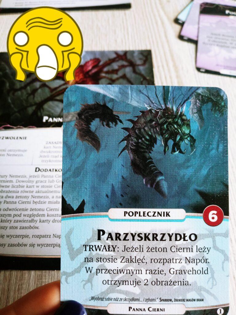 Parzyskrzydło - karta Panny Cierni Nemezis z dodatku Orchłań do gry Aeon's End